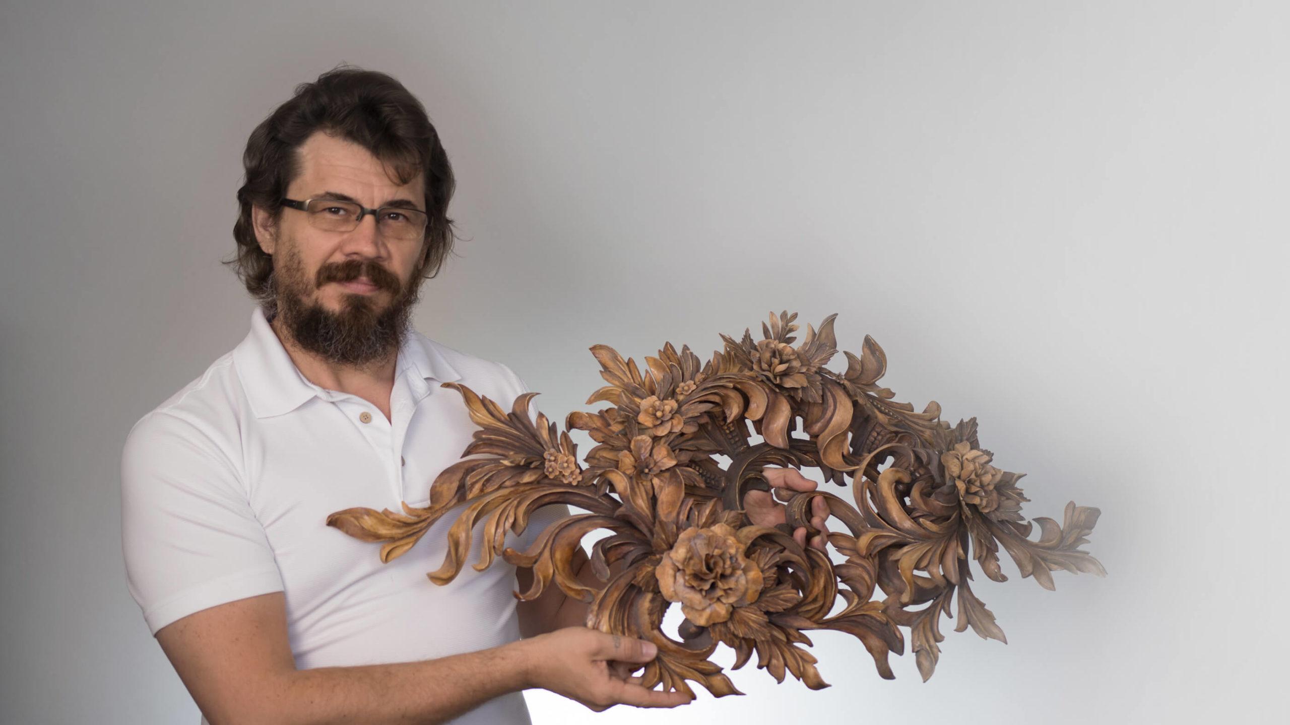 Alexander Grabovetskiy Master Woodcarver